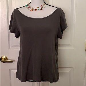 Flattering Garnet Hill T-shirt in great condition!